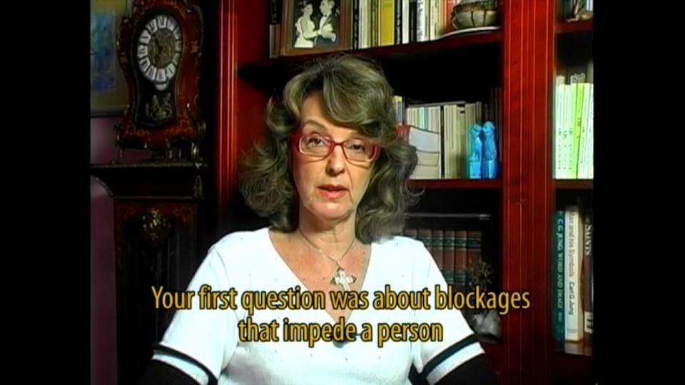 Psicanalista Dra. Cláudia Bernhardt Pacheco fala sobre os bloqueios que temos para aprender línguas