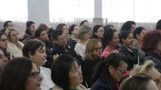 """Palestra de Cláudia B. S. Pacheco """"O Belo, a Mulher e o Novo Mundo"""" – STOP Forum Mulheres no Divã"""